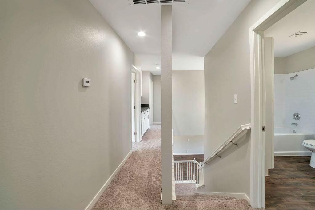 Upstairs Hallway Area (1)